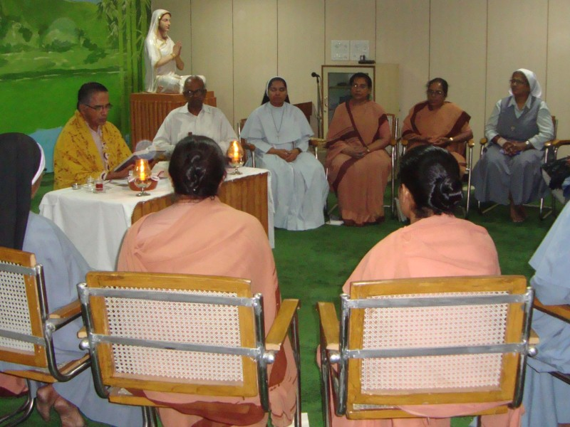 NAVJIVAN (NEW LIFE) <br> (Integral Retreat for Religious Men & Women)